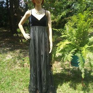 """""""Tower""""black&white spaghettistrap velvet lace/gown"""